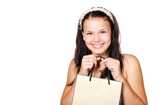 holka s taškou.jpg