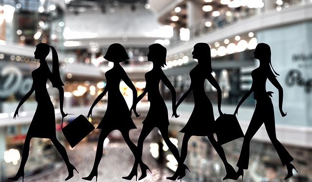 siluety dívek na nákupech.jpg
