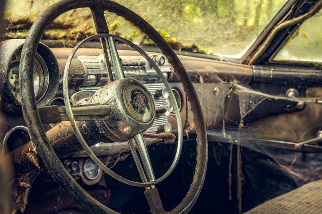 pavučiny v autě.jpg